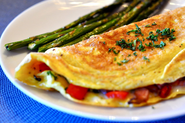 Omelet with Ham, Red Bell Peppers, and Cheese Filling | Flickr - Photo ...