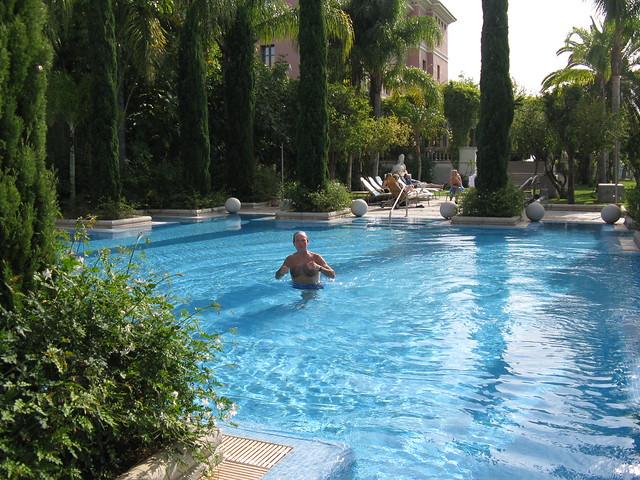 David in pool