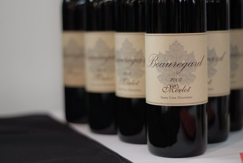 """SF Chronicle Wine competition Public tasting 2010-02-20 30"" by user Guillaume Paumier on Flickr"