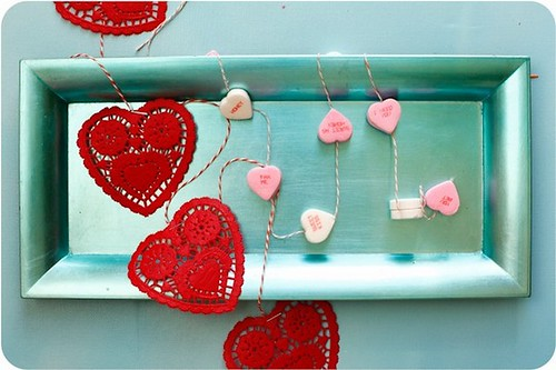 diy-easy-paper-doily-and-candy-heart-garland
