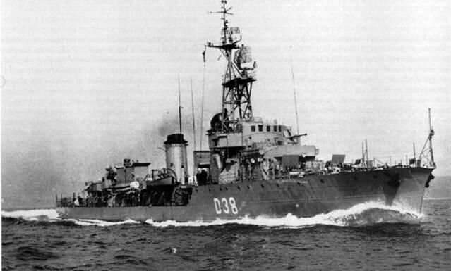 Fragata rápida (D 38) Intrépido-01