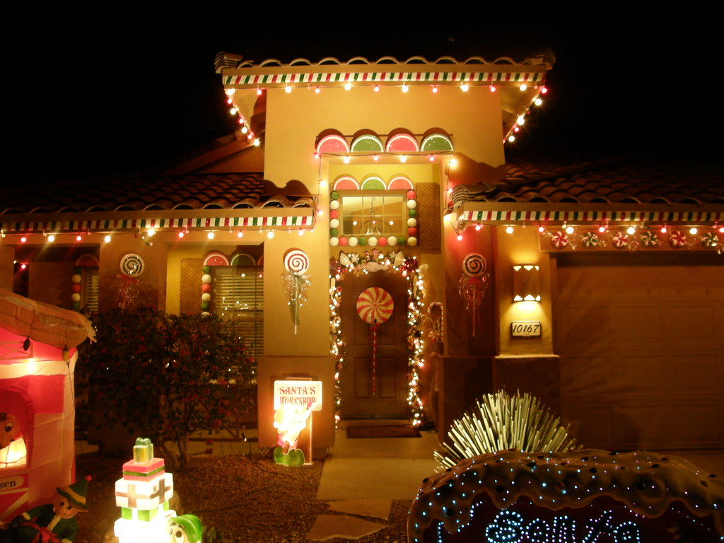Outdoor Gingerbread House Decorations OUTDOOR GINGERBREAD HOUSE DECORATIONS.  OUTDOOR GIN