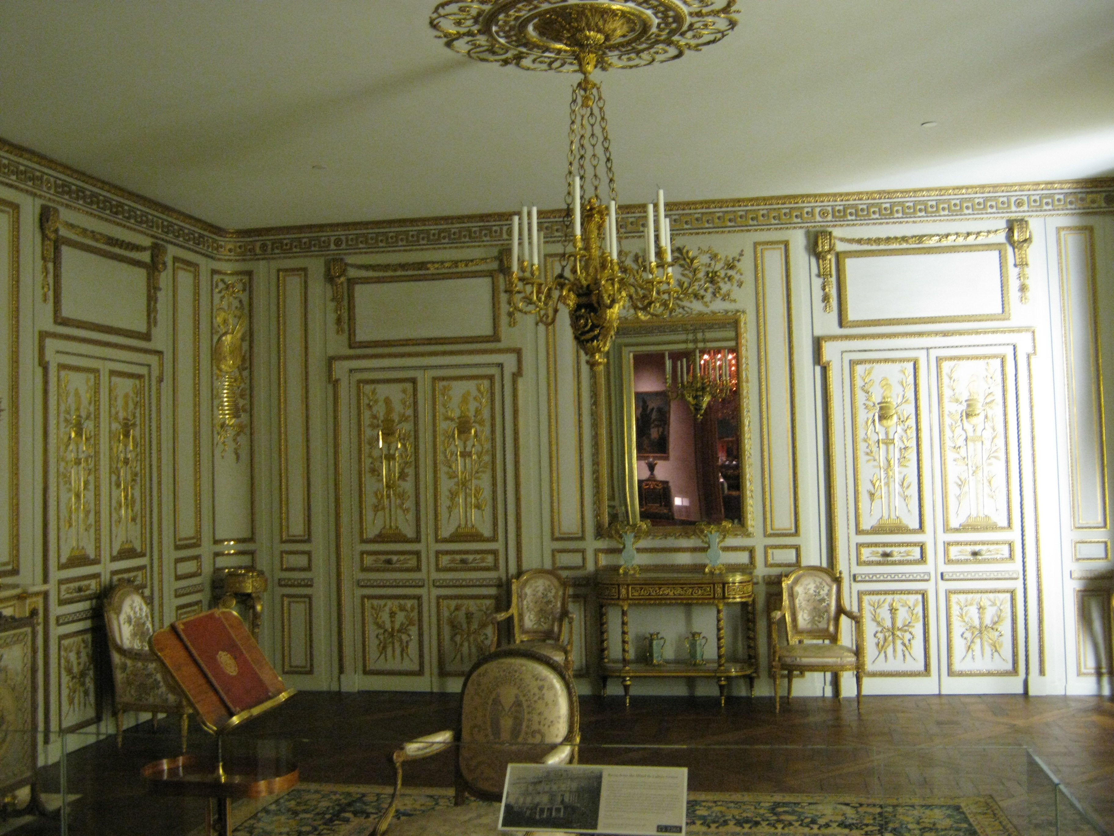 Period room room from the hotel de cabris grasse for Period hotel