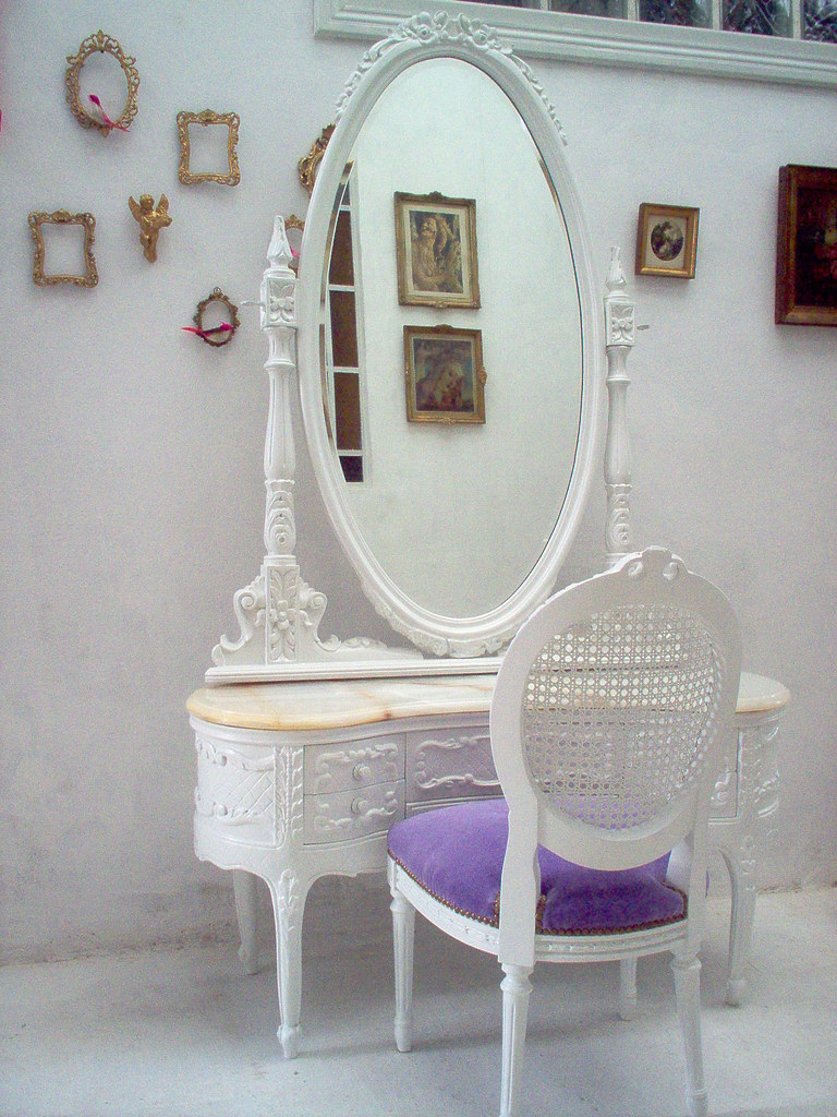 La Cabeza De Maria Antonieta S Most Interesting Flickr Photos Picssr # Muebles Camarillo