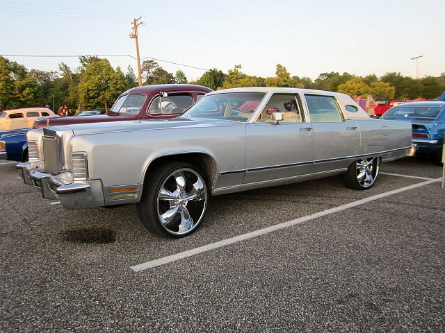 1977 Lincoln Continental Town Car Lost In The 50s Cruise