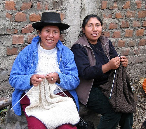 Knitting History And Culture : An andean tradition knitting with alpaca en perú
