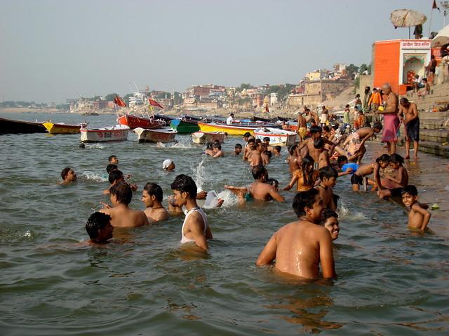 Varanasi ( Beranés ). Río Ganges. India