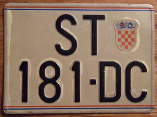 CROATIA, SPLIT 1991 POST YUGOSLAVIA---PASSENGER LICENSE PLATE, TWO LINE