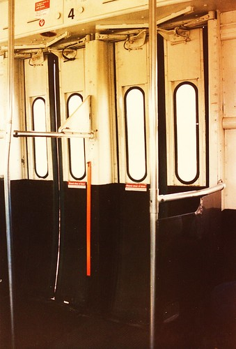 eddie 39 s rail fan page interior view of the folding transit doors of a cta 6000 series rapid. Black Bedroom Furniture Sets. Home Design Ideas
