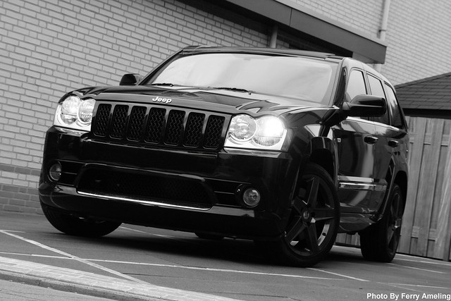 jeep grand cherokee srt8 black sexy cars girls entertainment. Black Bedroom Furniture Sets. Home Design Ideas