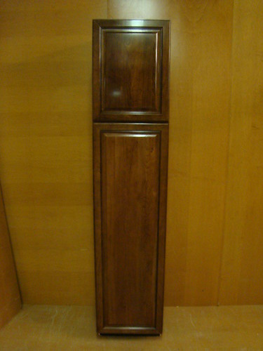 Kraftmaid Cherry Kitchen Bathroom Pantry Cabinet 18 W Ebay