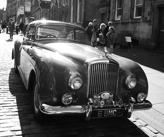 classic Bentley on the Royal Mile 010