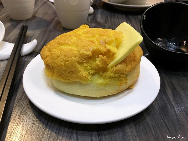 32737511882 4d4d14470d b - 寶達港式茶餐廳│由香港師傅掌廚,最推會爆漿的黃金流沙包、冰熱鹹甜的冰火菠蘿包