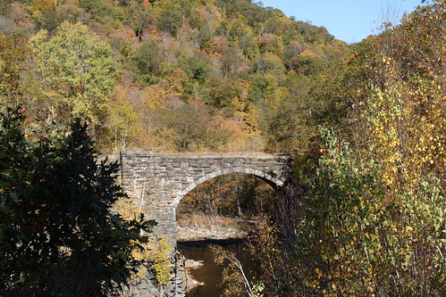 bridge fall leaves river arch massachusetts foliage berkshires keystone westfield