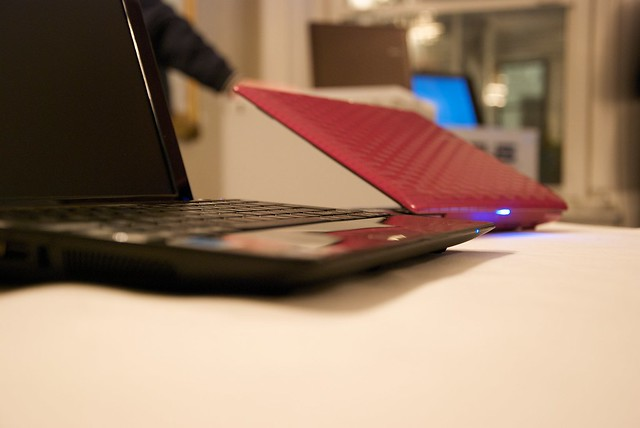ASUS Eee PC Seashell 1008P Karim Rashid Edition (Hot Pink)  Flickr - Photo S...