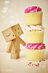 Danbo & The Leaning Tower of Cupcakes