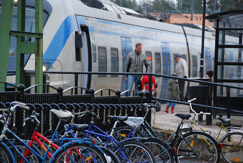 people bike train spring sweden bikes bicicleta passengers bicycles sl commuter scandinavia scandinavian cykel pendeltåg gnesta