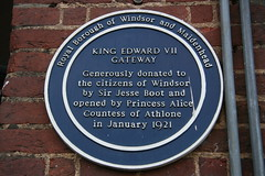Photo of Jesse Boot and Alice, Countess of Athlone blue plaque