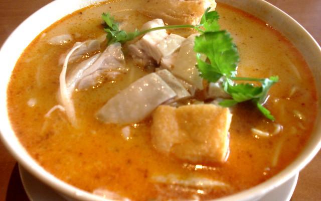 chicken laksa noodles | Flickr - Photo Sharing!