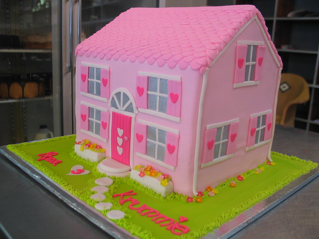 Doll s house cake soft & hot pink Flickr - Photo Sharing!