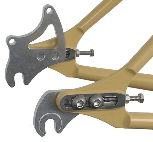 "<p>Paragon single-speed/disc dropouts with built-in tensioner.  You can also convert you single speed into a geared bike with a an additional insert with derailleur tab (Cable routing requires staps).<br /> <br /> gunnarcycles<br /> gunnarbikes <br /> <a href=""http://gunnarbikes.com"" rel=""nofollow"">gunnarbikes.com</a></p>"
