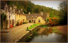 Castle Combe Wilts Oct'09