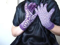 Endpaper Gloves