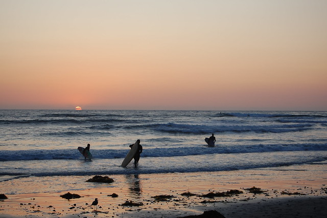 Surfers & Sunset @ Swami's Beach