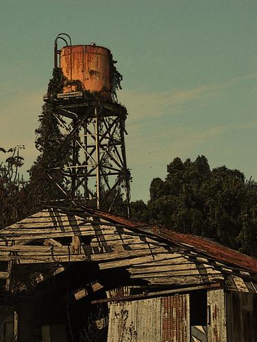 barn rusty deserted postprocessingphotomanipulation watertankabandoned