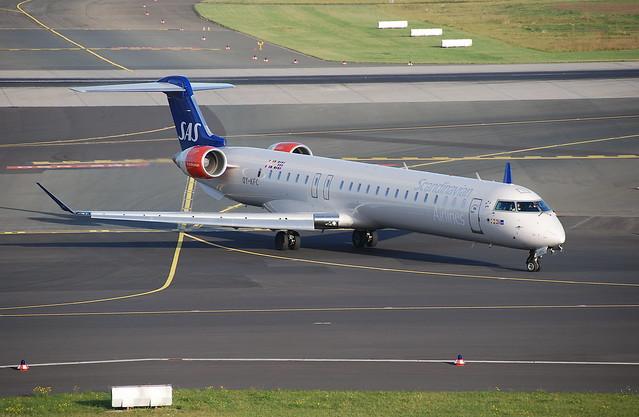 Scandinavian Airlines Canadair CRJ-900; OY-KFC@DUS;13.10.2009/558cn