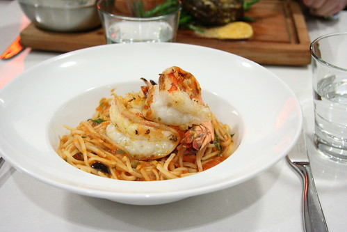 Pasta with tiger prawns and capers