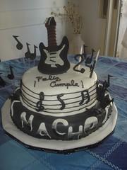 Torta De Guitarra Con Notas Musicales