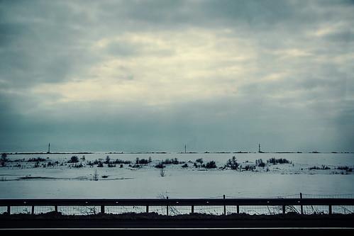първомай parvomay българия bulgaria europe nikon d3300 ニコン 尼康 nikkor afs 18200mm f3556g 18200mmf3556g vr guardrail road grey white clouds snow winter