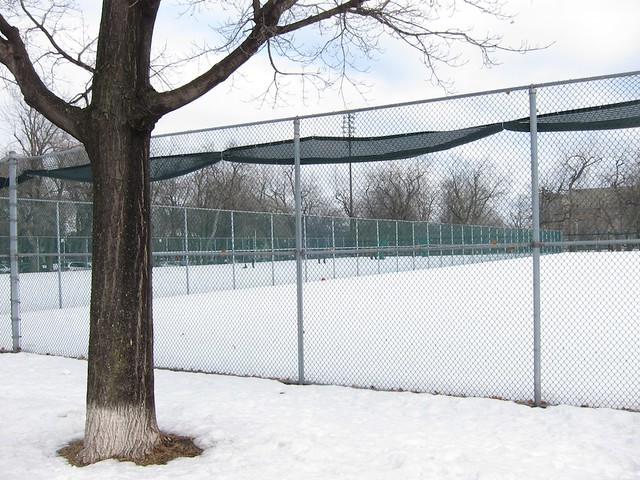 Terrain de tennis en hiver flickr photo sharing for Dimension d un terrain de tennis