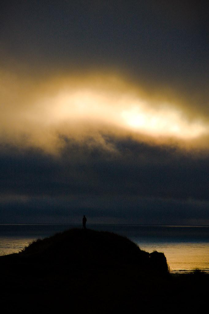 Amanece bajo el Faro by Trevi2009-