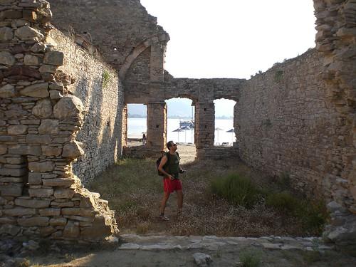 Πόρος, ερείπια του Ρωσικού Ναυστάθμου