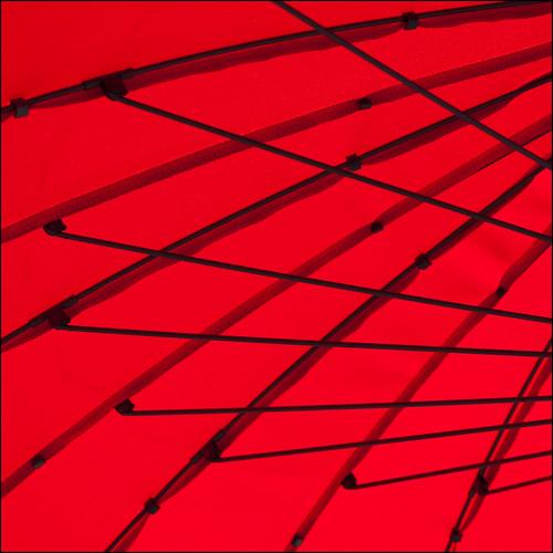 red lines umbrella curves zürich dots barbera sunumbrella 500x500 3645a detpassierterstwennickkommenachzürichmeinich natürlichofcoursesoobvious
