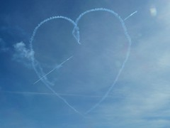 Red Arrows - Love heart