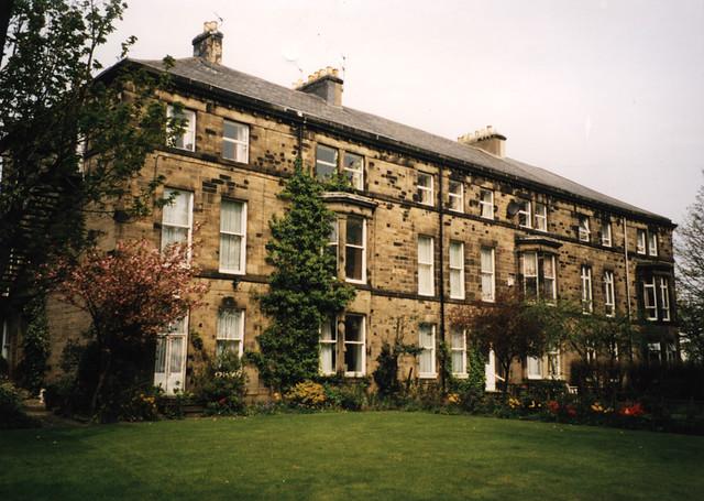 Belle Grove Terrace, Spital Tongues