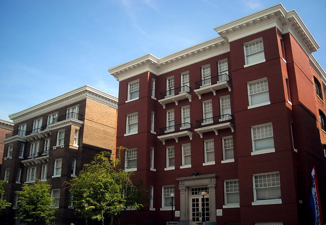 Logan Square Apartments Auburn Al