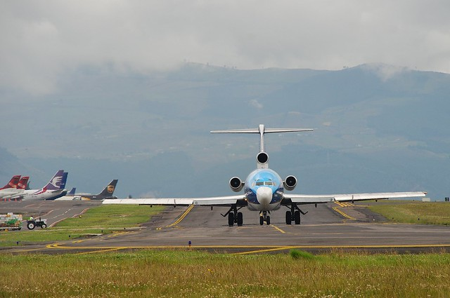 TAME Boeing 727; HC-BHM@UIO;22.06.2008/514fx