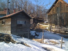 village, building, hut, winter, wood, snow, shack, cottage, house, log cabin, sugar house, home, rural area,