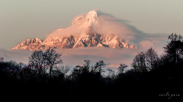 Cloudy Fast Monviso from Roero