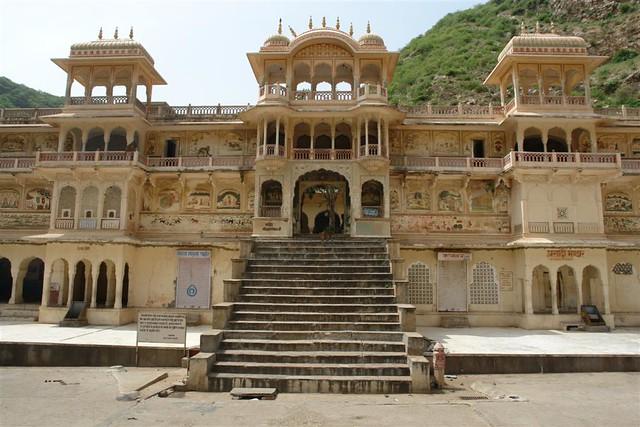 Templo de los monos de Jaipur Galwar Bagh, el templo de los Monos de Jaipur - 4172561742 9c9def3771 z - Galwar Bagh, el templo de los Monos de Jaipur