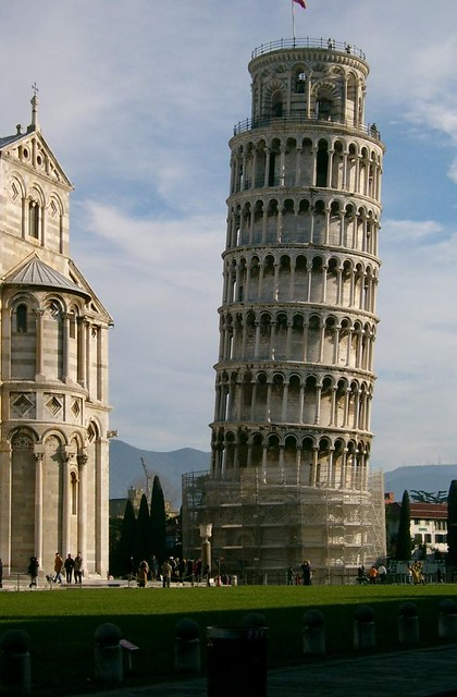 Leaning Tower of Pisa by CC user phb1973 on Flickr