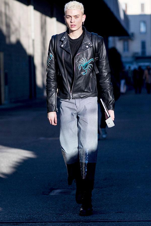 DIESEL黒ダブルライダース×黒Tシャツ×ストライプパンツ