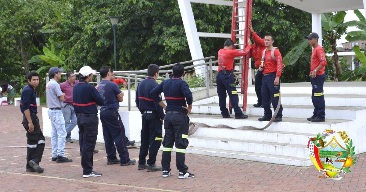 10 aspirantes a bomberos reciben capacitación en Chone