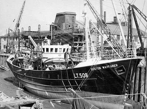 Boston Wayfarer LT508 Sidetrawl at Hull / Hessle c.1965