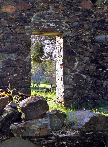 doorway ruins assayoffice cherokeeca cherokeecalifornia northernca northerncalifornia buttecountyca buttecountycalifornia goldrushera goldrusherabuildings wellsfargo goldrush goldrushstructure goldrushstructures goldrusheraruins masonry abandoned olympussp550uz olympus sp550uz sp550 550uz californiagoldrush buttecountycalif bank norcal cherokeecalif northerncalif californiagoldrushera goldrushhistory californiagoldrushhistory