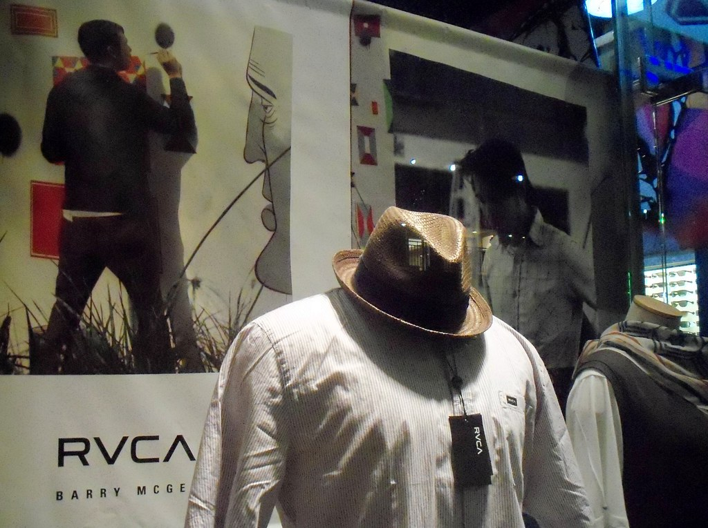 Reef surf and skate store - RVCA merchandise and posters o